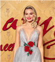 Margot Robbie'nin Romantik Gala Stili