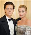 Riverdale Yıldızları Cole Sprouse ve Lili Reinhart Ayrıldı