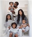 West Ailesi Noel Fotoğraflarıyla Kalpleri Isıttı