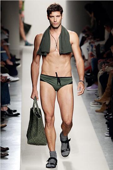 bottega-veneta-erkek-ic-camasiri - 2011 Erkek modası pek seksi