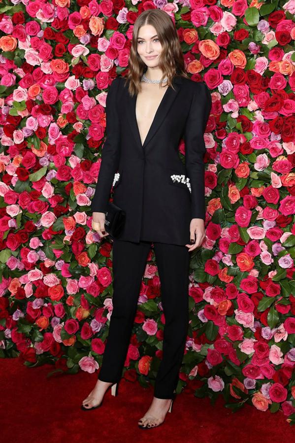 Grace Elizabeth - 2018 Tony Ödüllerindeki En Şık Görünümler