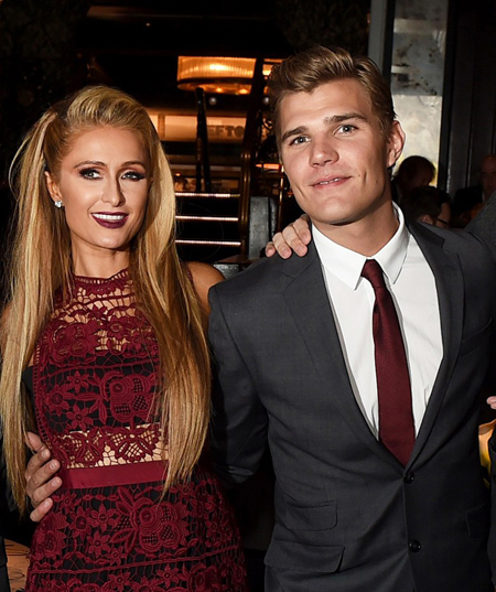 Paris Hilton- Chris Zylka