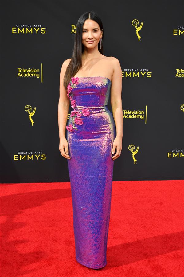 Olivia Munn - 2019 Creative Arts Emmy Ödülleri'nin Kırmızı Halı Görünümleri