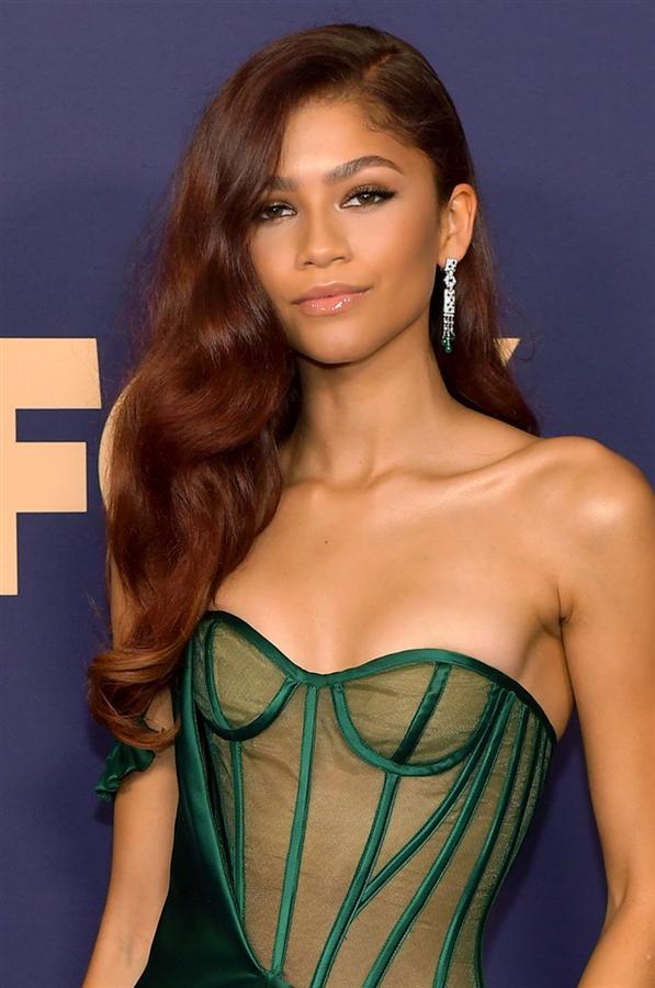 2019 Emmy Ödülleri'nden Öne Çıkan Güzellik Görünümleri