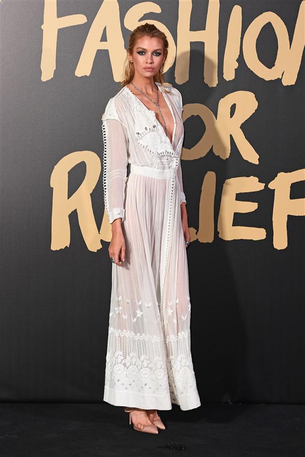 Stella Maxwell - 2019 Fashion For Relief Defilesinin Ünlü Davetlileri Göz Kamaştırdı