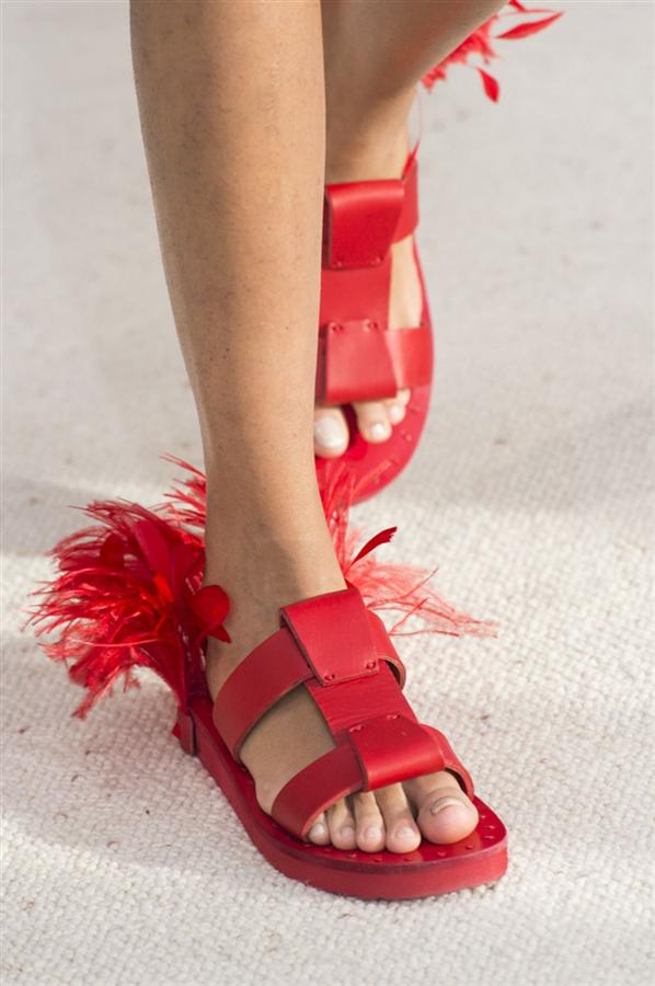 Valentino  - 2019 Moda Haftalarında Öne Çıkan Ayakkabılar
