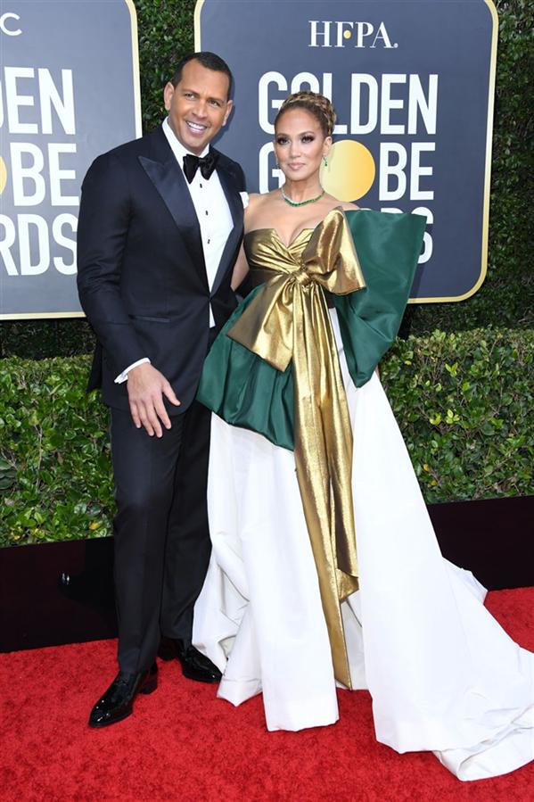 Jennifer Lopez ve Alex Rodriguez - 2020 Altın Küre Ödülleri'nin Kalp Çalan Uyumlarıyla Kırmızı Halı Çiftleri