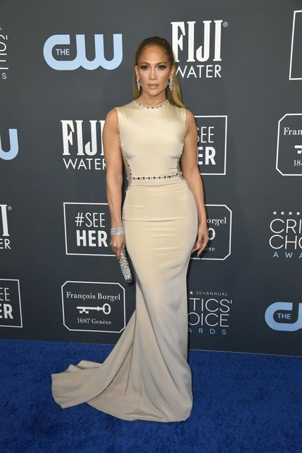 Jennifer Lopez - 2020 Critics' Choice Ödülleri'nin Öne Çıkan Kırmızı Halı Elbiseleri