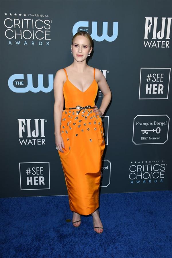 Rachel Brosnahan - 2020 Critics' Choice Ödülleri'nin Öne Çıkan Kırmızı Halı Elbiseleri