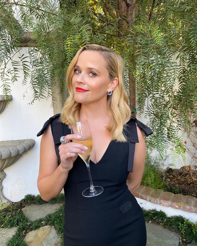 Reese Witherspoon - 2020 Emmy Ödülleri'nin İlham Veren Güzellik Görünümleri