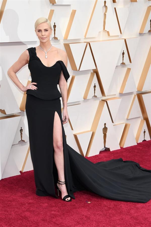 Charlize Theron - 2020 Oscar Ödül Töreni'nin En İyi Kırmızı Halı Görünümleri