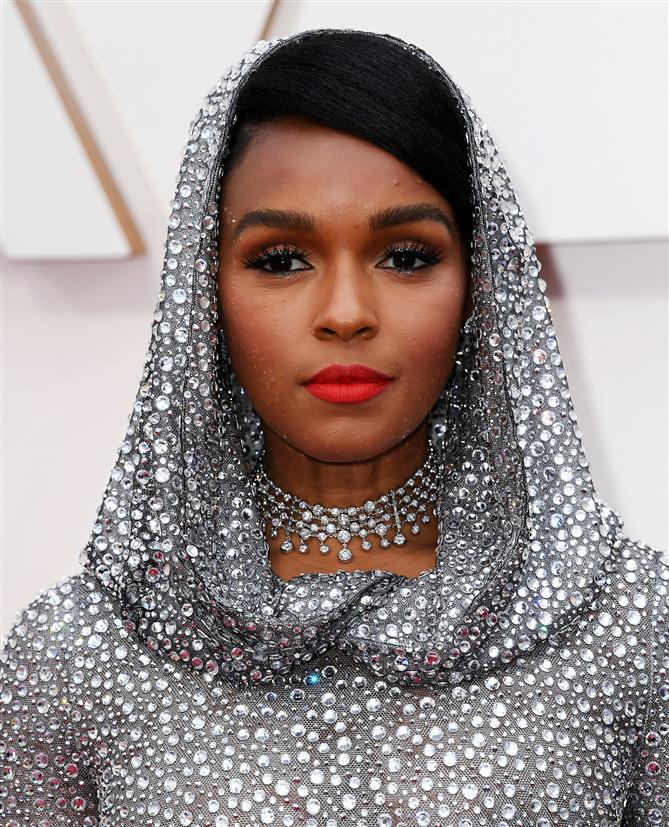 2020 Oscar Ödül Töreni'nin Unutulmaz Saç ve Makyaj Görünümleri