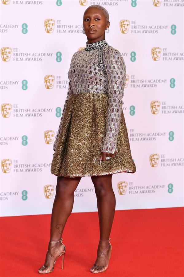 2021 BAFTA Ödülleri Kırmızı Halısından Öne Çıkanlar