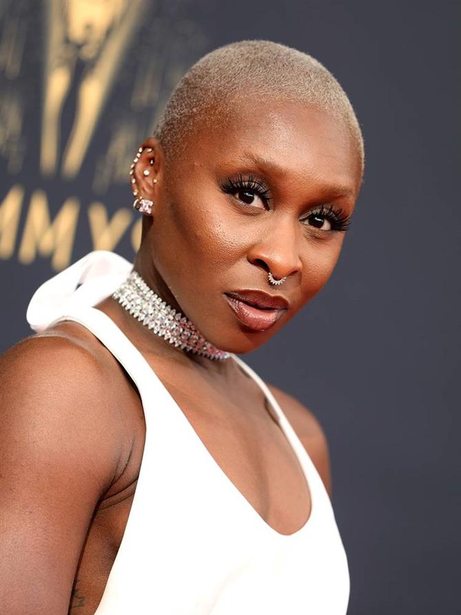 2021 Emmy Ödülleri'nden Öne Çıkan Saç ve Makyaj Görünümleri - 2021 Emmy Ödülleri'nden Öne Çıkan Saç ve Makyaj Görünümleri
