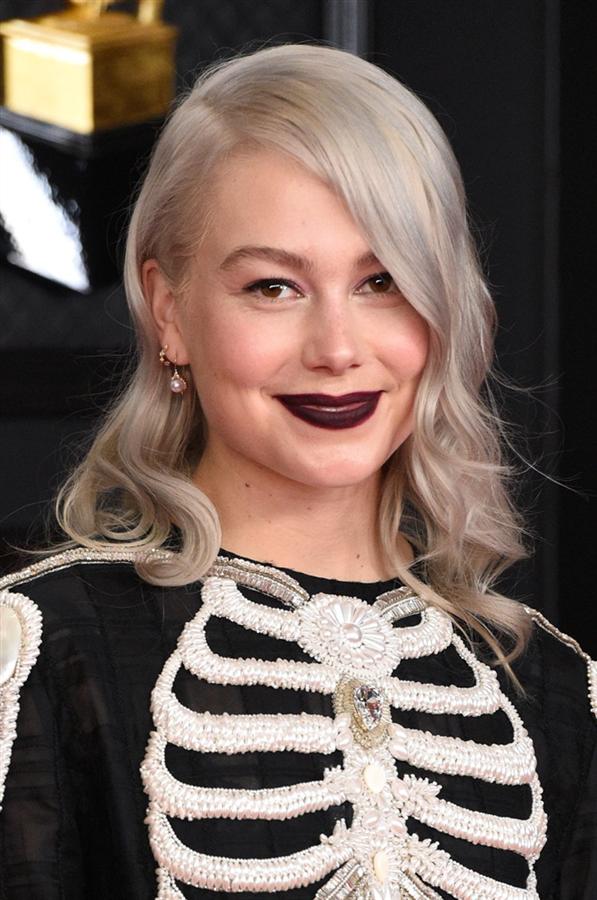 Phoebe Bridgers - 2021 Grammy Ödül Töreni'nin En İyi Saç ve Makyaj Görünümleri