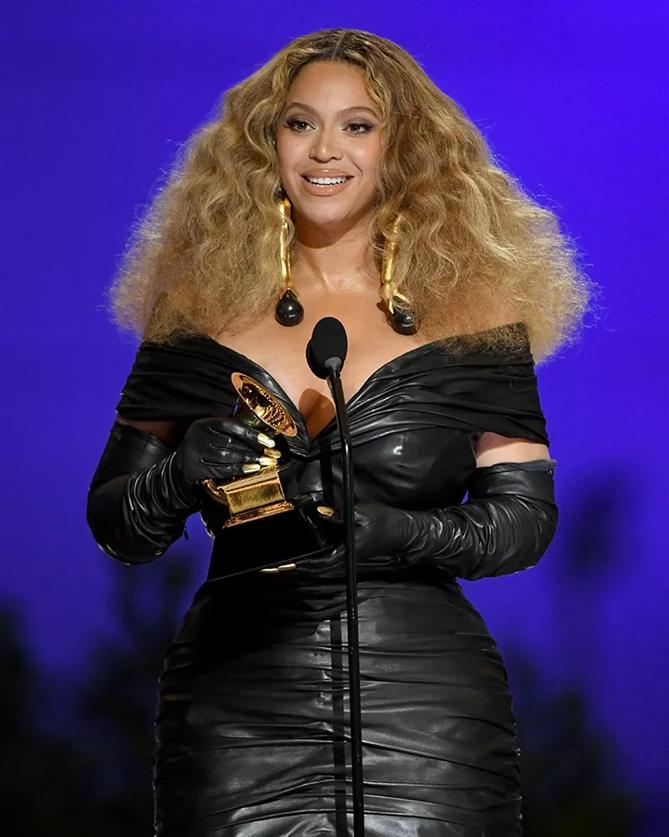 Beyonce - 2021 Grammy Ödül Töreni'nin En İyi Saç ve Makyaj Görünümleri
