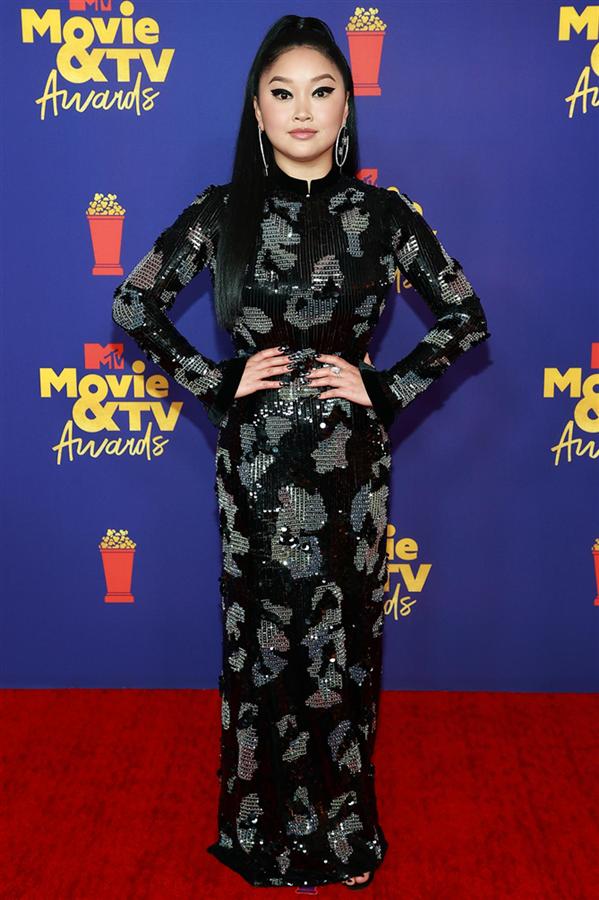 2021 MTV Movie & TV Awards Gecesinden Renkli Görünümler - 2021 MTV Movie & TV Awards Gecesinden Renkli Görünümler