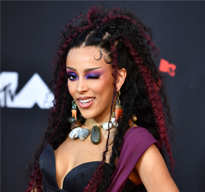 Doja Cat - 2021 MTV Video Müzik Ödülleri'nden Güzellik Görünümleri