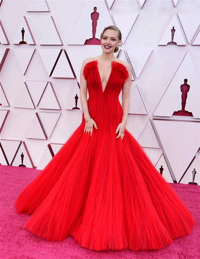 2021 Oscar Kırmızı Halısından En Şık İsimler