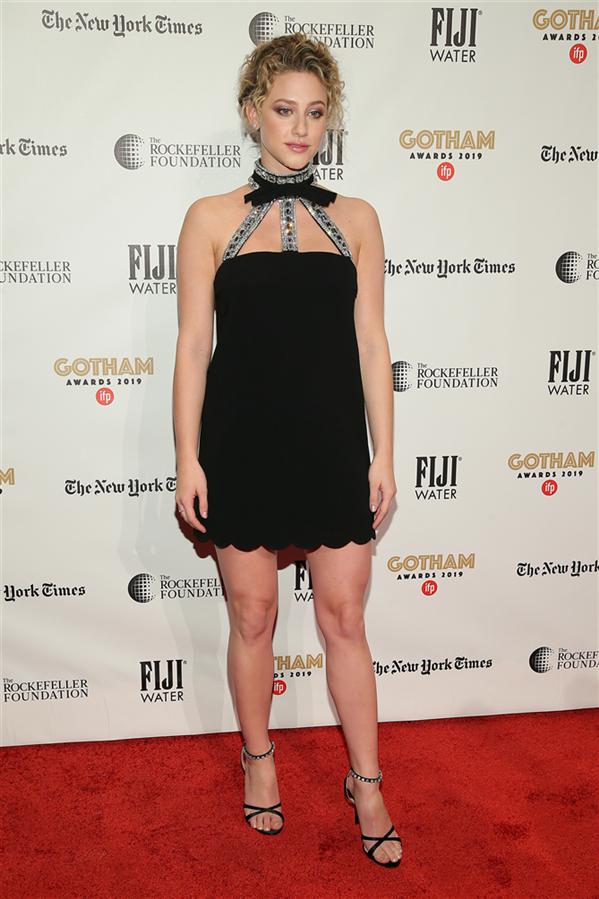Lili Reinhart - 29. Gotham Bağımsız Film Festivali Ödülleri'nin Kırmızı Halı Görünümleri