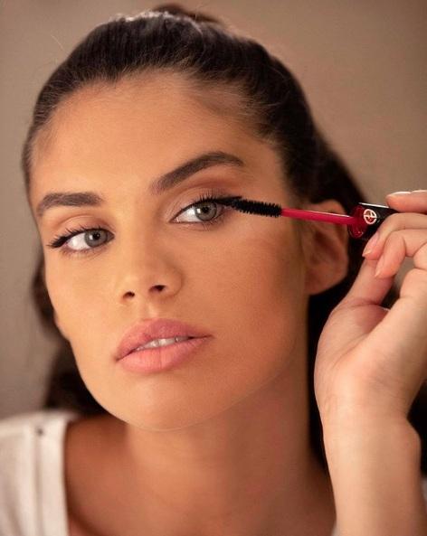5 Dakikada Kolay Makyaj İçin İhtiyacınız Olan 5 Ürün