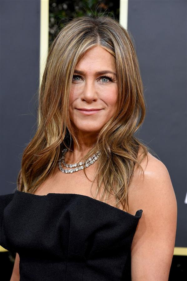 Jennifer Aniston - 77. Altın Küre Ödülleri'nin Dikkat Çeken Güzellik Görünümleri