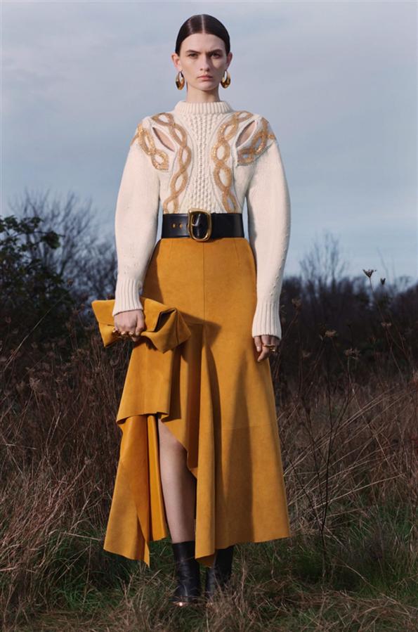 Alexander McQueen'den Güçlü Pre-Fall 2020 Tasarımları