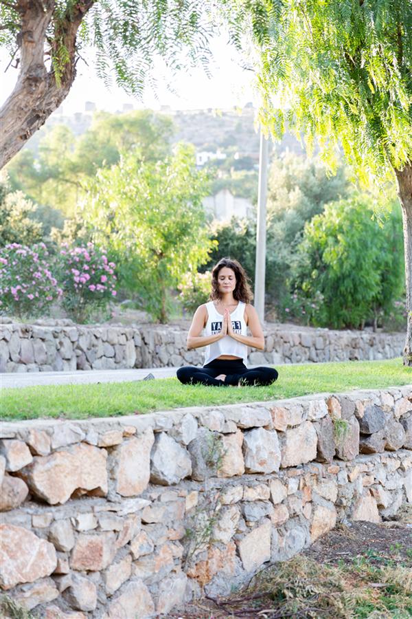 Arzu Özev ile Nefes Teknikleri, Yoga ve Sağlıklı Beslenme Üzerine