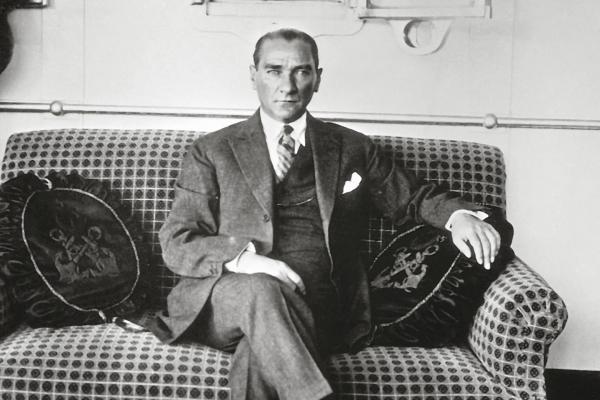 Atatürk`ün Giyim Zevki