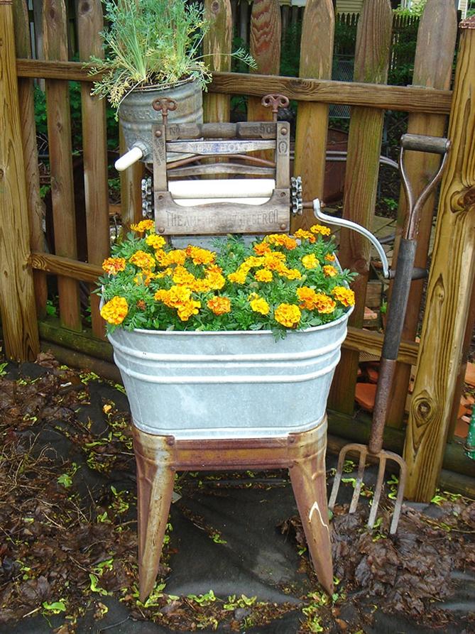 Bahçenizi eski eşyalarınızla süsleyin - Bahçenizi eski eşyalarınızla süsleyin
