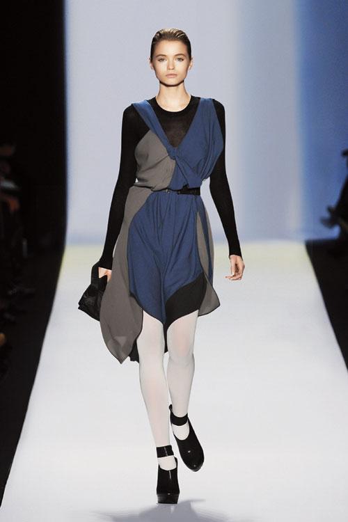 bcbgmaxazria-mavi-elbise - BCBGMAXAZRIA Runway Sonbahar- Kış 2010-2011