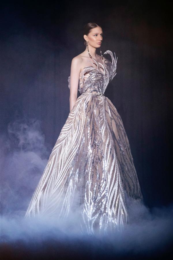 Bir Kaçış Fantezisi: Elie Saab İlkbahar 2021 Couture Le Théâtre du Rêve