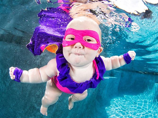 Boğulmaktan korkan çocukların su altı fotoğrafları - Boğulmaktan korkan çocukların su altı fotoğrafları