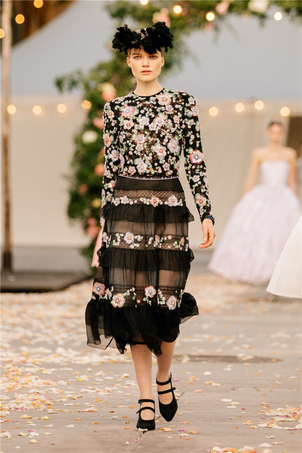 Büyüleyici Chanel Haute Couture İlkbahar/Yaz 2021 Tasarımları