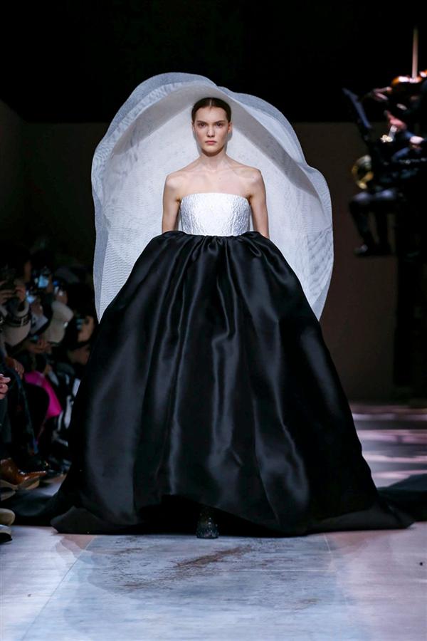 Büyüleyici Givenchy Haute Couture İlkbahar/Yaz 2020 Tasarımları - Büyüleyici Givenchy Haute Couture İlkbahar/Yaz 2020 Tasarımları