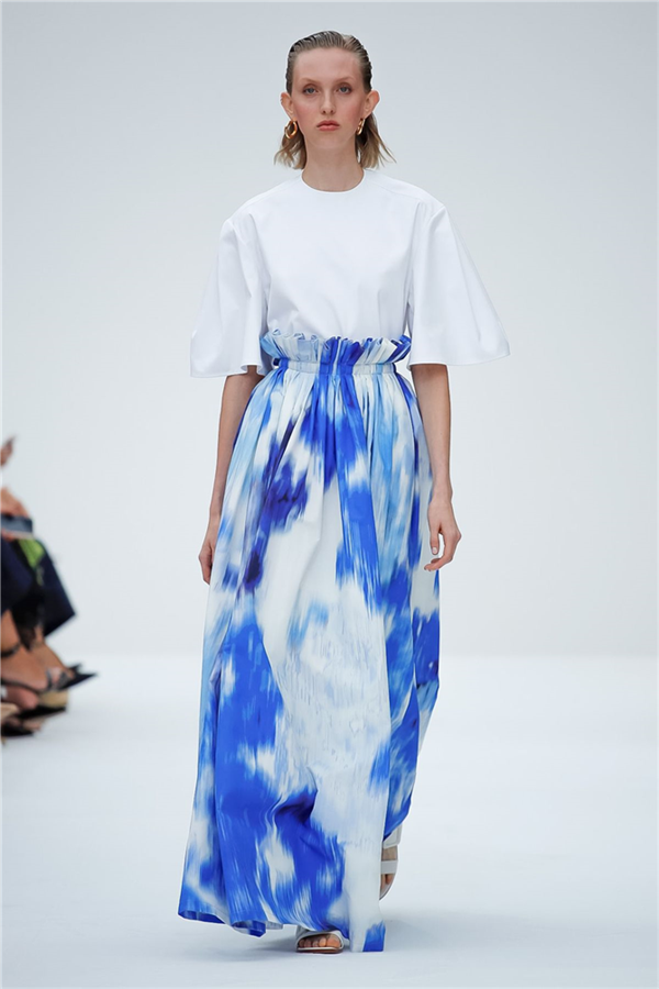 Carolina Herrera İlkbahar/Yaz 2020 Tasarımlarından Dikkat Çeken Detaylar
