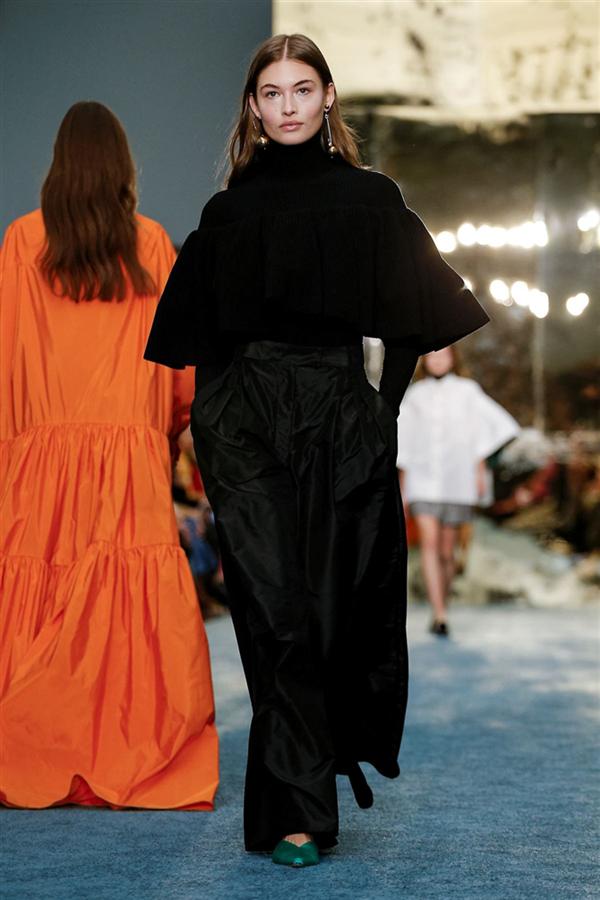 Carolina Herrera Sonbahar/Kış 2019 Tasarımlarından Öne Çıkanlar