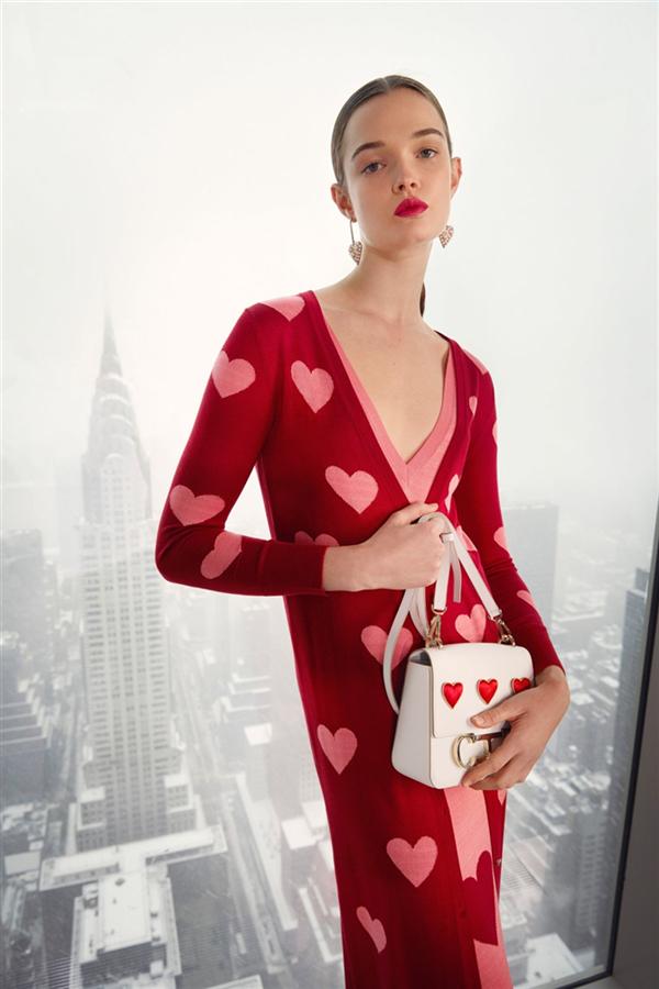 Carolina Herrera'nın İlhamını Aşktan Alan Sonbahar/ Kış 2021 Koleksiyonu