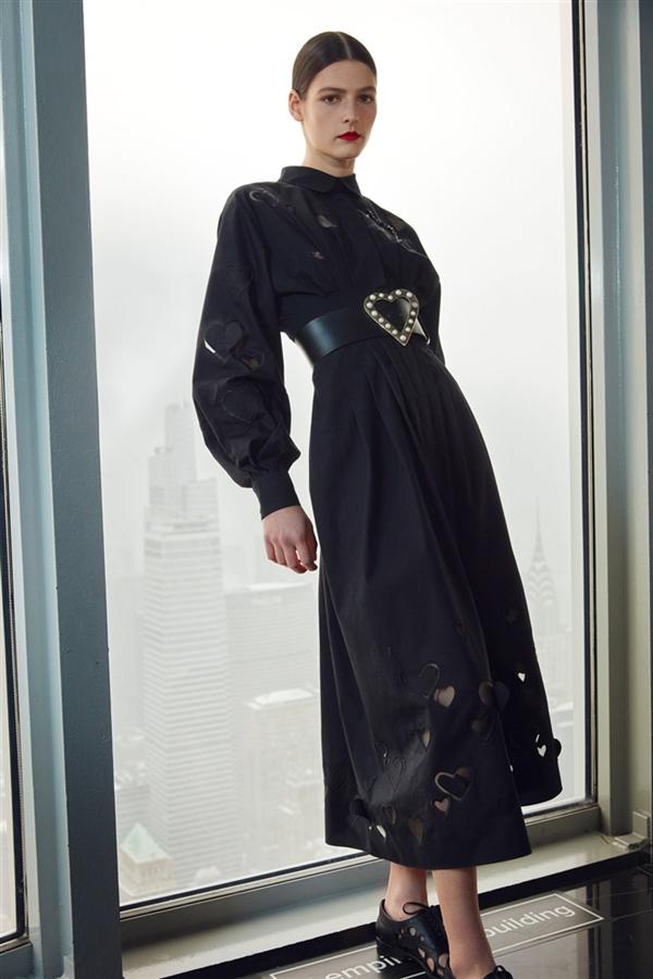 Carolina Herrera'nın İlhamını Aşktan Alan Sonbahar/ Kış 2021 Koleksiyonu - Carolina Herrera'nın İlhamını Aşktan Alan Sonbahar/ Kış 2021 Koleksiyonu
