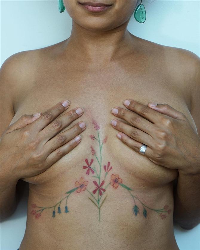 Cazibenizi Arttıracak En Seksi Göğüs Altı Dövmeleri