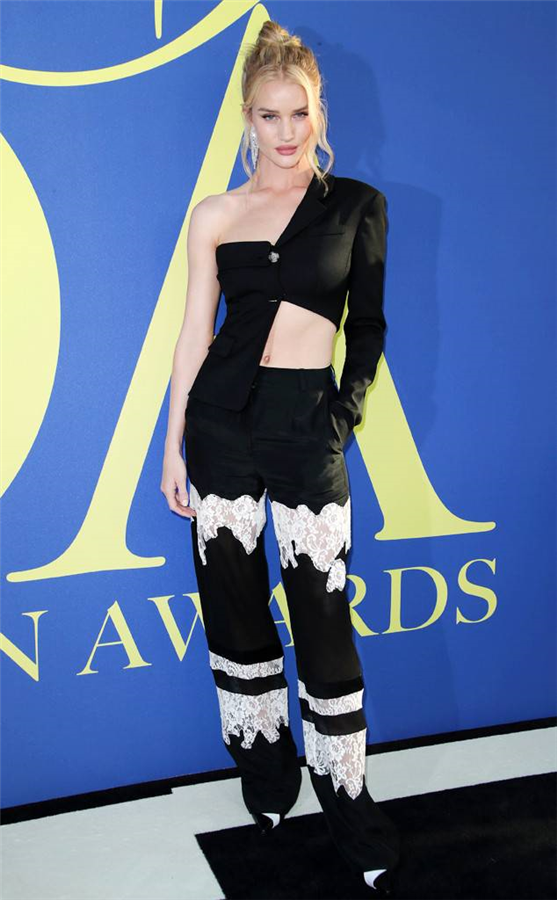 Rosie Huntington-Whiteley - CFDA Moda Ödülleri 2018 Kırmızı Halı