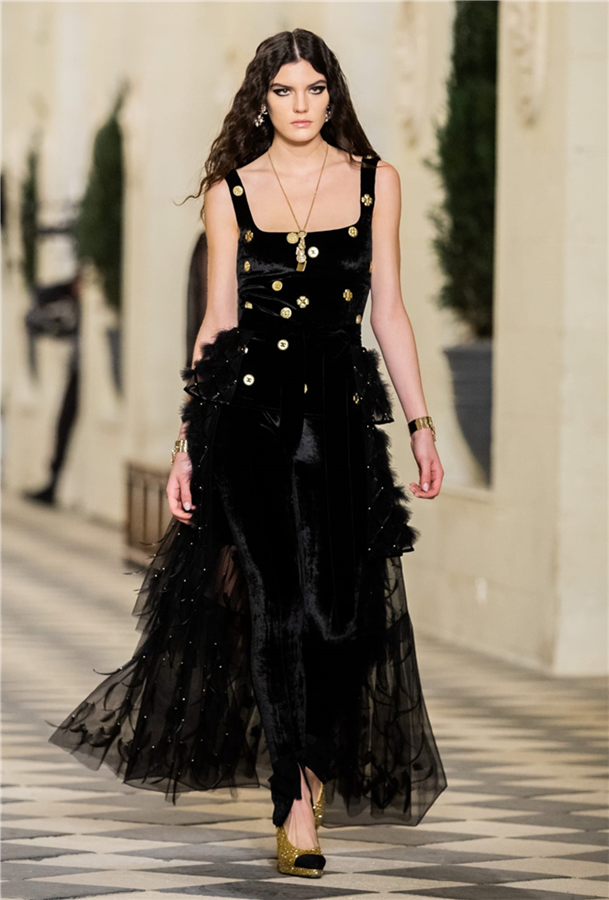 Chanel 2020/21 Métiers d'art Koleksiyonundan Büyüleyici Parçalar - Chanel 2020/21 Métiers d'art Koleksiyonundan Büyüleyici Parçalar