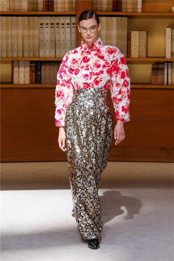 Chanel Couture Sonbahar/Kış 2019 Koleksiyonundan Dikkat Çeken Tasarımlar - Chanel Couture Sonbahar/Kış 2019 Koleksiyonundan Dikkat Çeken Tasarımlar