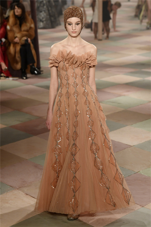 Christian Dior Couture S/S 2019 Defile Görünümleri