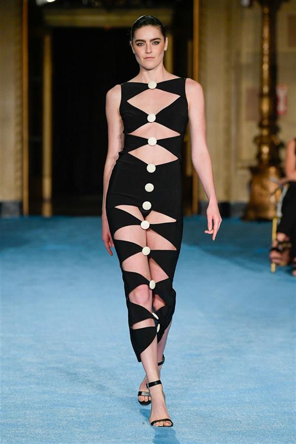 Christian Siriano İlkbahar/ Yaz 2022 Koleksiyonundan Sıcak Tasarımlar