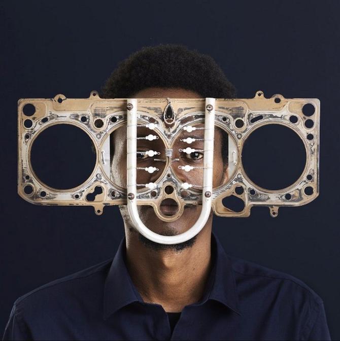 Cyrus Kabiru'dan Göz Kamaştırıcı Gözlükler - Cyrus Kabiru'dan Göz Kamaştırıcı Gözlükler