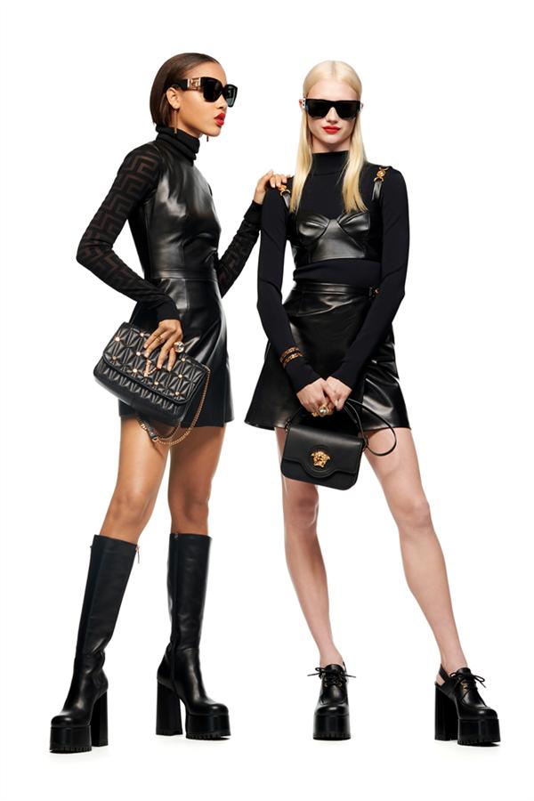 """Değişen Dünyaya Ayak Uyduran Koleksiyon: Versace Pre-Fall 2021 """"Le Muse"""""""