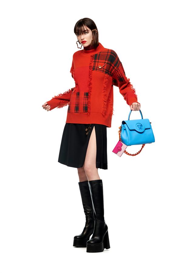 """Değişen Dünyaya Ayak Uyduran Koleksiyon: Versace Pre-Fall 2021 """"Le Muse"""" - Değişen Dünyaya Ayak Uyduran Koleksiyon: Versace Pre-Fall 2021 """"Le Muse"""""""
