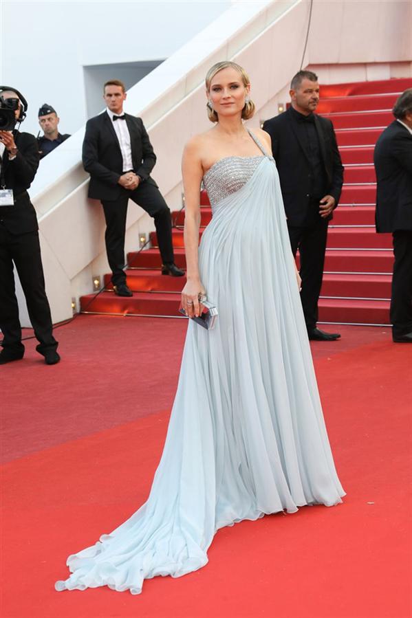 Diane Kruger Anne Oluyor