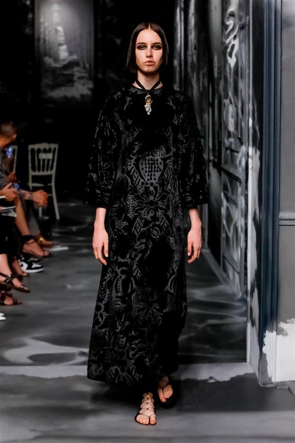 Dior Couture'un Büyüleyen Sonbahar/Kış 2019 Tasarımları